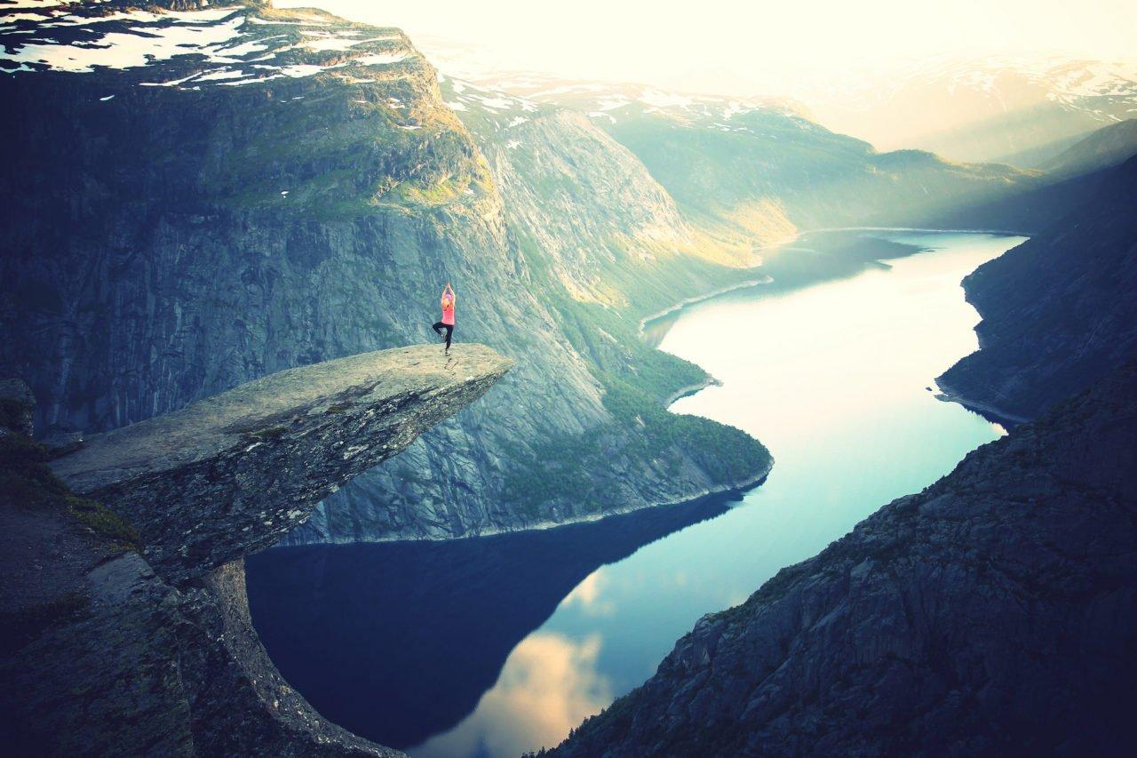blog_yoga-pose_mountain-cliff-1280x853.jpg