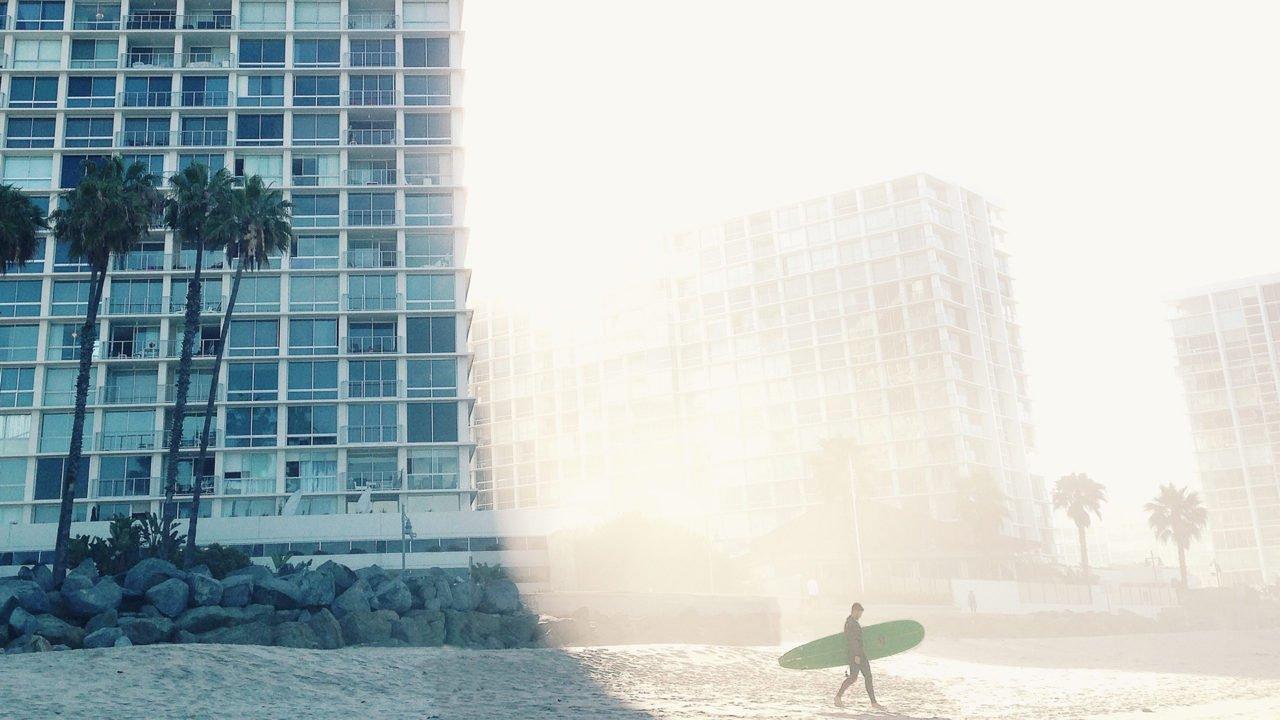 blog_beach_hotel_surfer_1920-1280x720.jpg